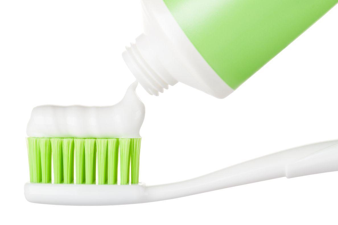 歯磨き粉r.jpg